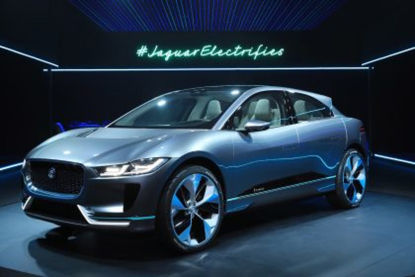 The I-PACE Electric Vehicle accelerates to 60 mph in around 4 seconds, and features a 90kWh battery with an estimated range of 220 miles (EPA cycle)(1) – Driver-focused all-wheel-drive performance from twin-electric motors generating 516-lb ft of torque and 400hp(1)