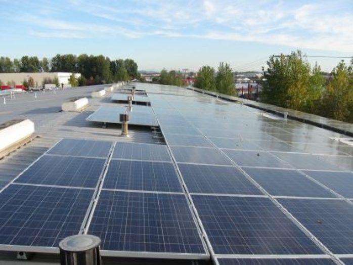 http://coxenterprises.mediaroom.com/image/Solar+PanCox Conserves Solar install, Manheim, Portland Oregon