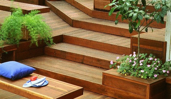 sustainable decking redwood with plants