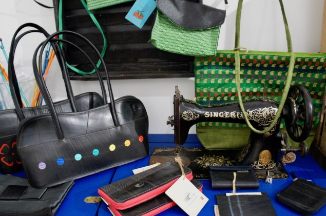 greenlooksgreat-lyon-lescurieux-sewing