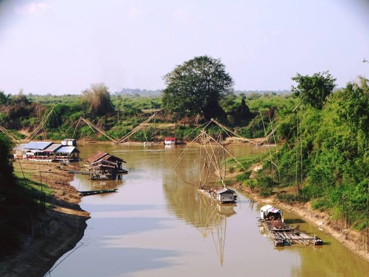 แม่น้ำสงคราม