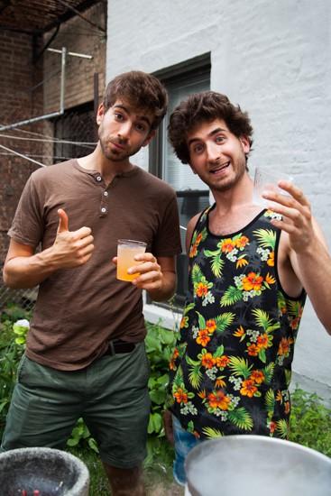 Brothers_Green_Heatonist_Greenpointers_Rosie_de_belgeonne