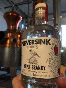 Down-To-Earth-Markets_Neversink-Apple-Brandy_500