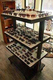 Sunny-Eye-Shop_Sunglasses-Stand_180