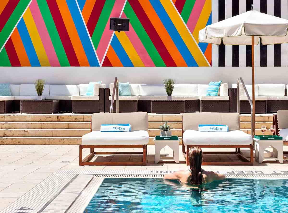 McCarren Hotel & Pool_VIP Day Bed