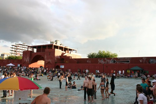 McCarren Pool Party, 2006. Photo: Megan Penmann