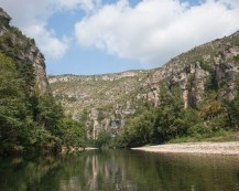 Canoeing on the Tarn between St. Enimie and La Malene, Tarn, France