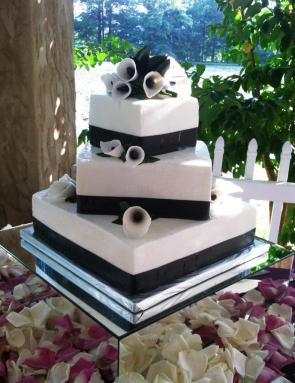 Three-tier Square Cake