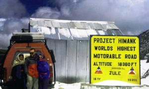 1994 mit unserem ersten Geländewagen in Ladakh / Himalaja