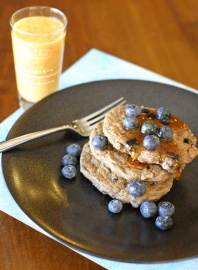 A Healthy Breakfast: Vegan Pancakes