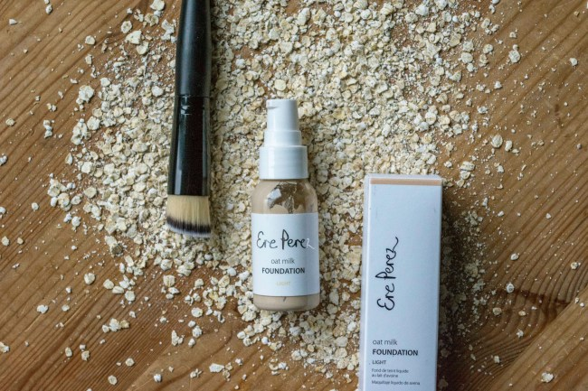 Ere Perez Oatmilk Foundation light Review
