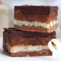 Easy Chocolate No-Bake Caramel Slices (vegan, dairy-free, gluten-free)