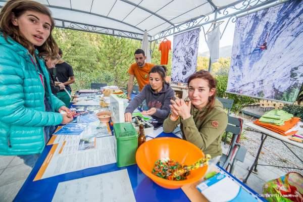 bénévoles greenspits avec leur sweat Maloja partenaire de la fête du spit #2 2017