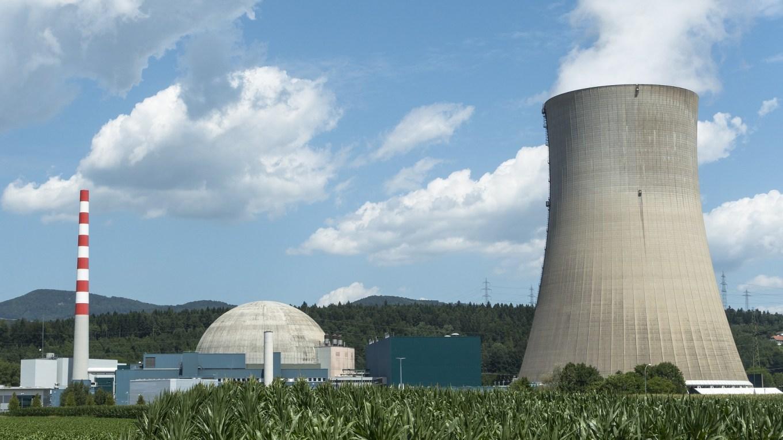 Atommeiler mit Kühlturm