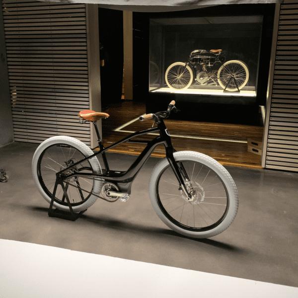Harley-Davidson Serial 1 Cycle Company 7