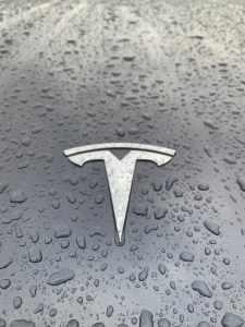 Вот когда Tesla..., тогда и посмотрим. Посмотрели. Tesla показывает устойчивую прибыльность, и впервые прибыль больше 1 млрд.$