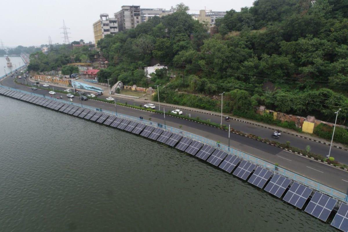 озёрная солнечная электростанция