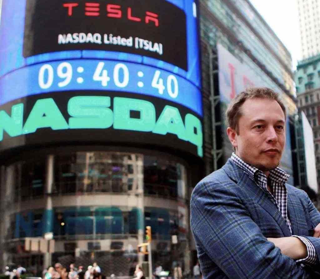 С момента выхода Tesla на биржу (и с момента этой фотографии) их акции выросли примерно на 18000%!