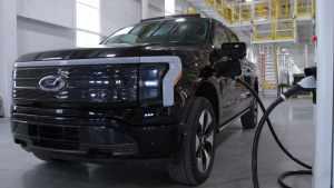 Ford запустил предсерийное производство электрического пикапа F-150 Молния Truck