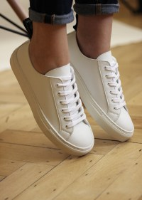 femmes-les-sneakers-blanches-samo