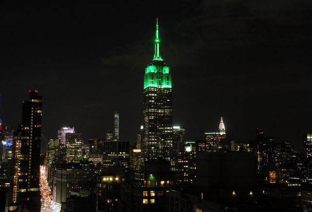 Sim! O Empire State Building é verde!