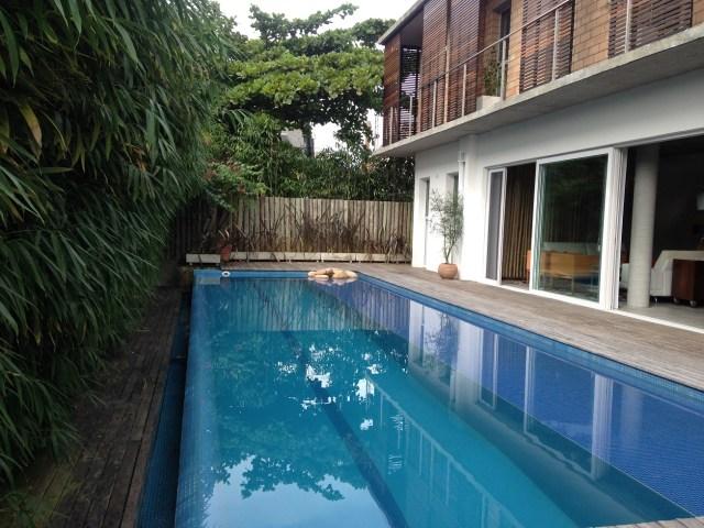 O excedente de água da piscina é armazenado no subsolo e destinado para usos não potáveis. (Fonte: Missão Casa).