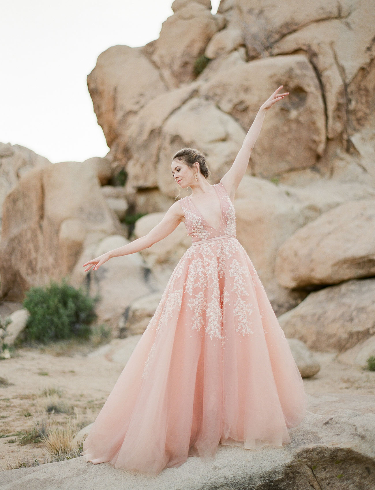 Pretty In Pink Our Favorite Blush Wedding Dresses Green Wedding