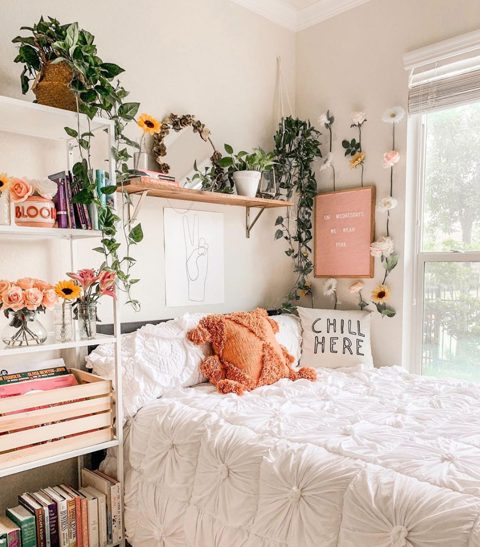Our Favorite Boho Bedrooms (and How to Achieve the Look) on Boho Room Decor  id=98716