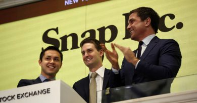 Snap Inc. Co-founders Bobby Murphy and Evan Spiegel with NYSE Group President Tom Farley.
