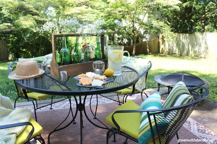 Easy patio decorating ideas for a rental   Green With Decor How to easily decorate a rental patio plus a great idea for a summer  centerpiece using
