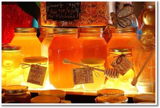 golden honey in jars