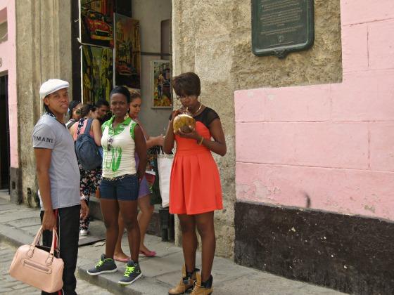 cuba-havana-street-people