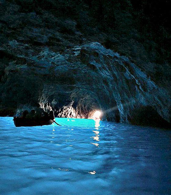 italy-amalfi-coast-blue-grotto-greenwithrenvy