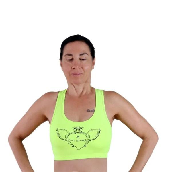sujetador deportivo amarilo fluor love yourself