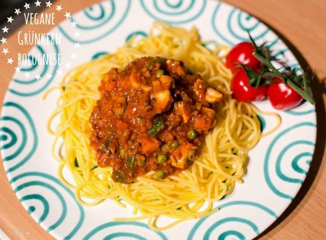 vegan Grünkern Bolognese mit Gemüse und Tomaten Spaghetti glutenfrei sharonesse Copyright hclf