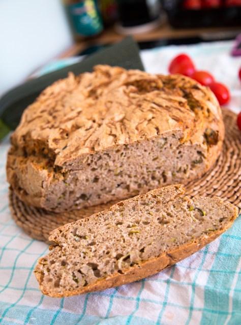Saftiges Zucchini-Vollkornbrot (vegan) von sharonesse.blogspot.com