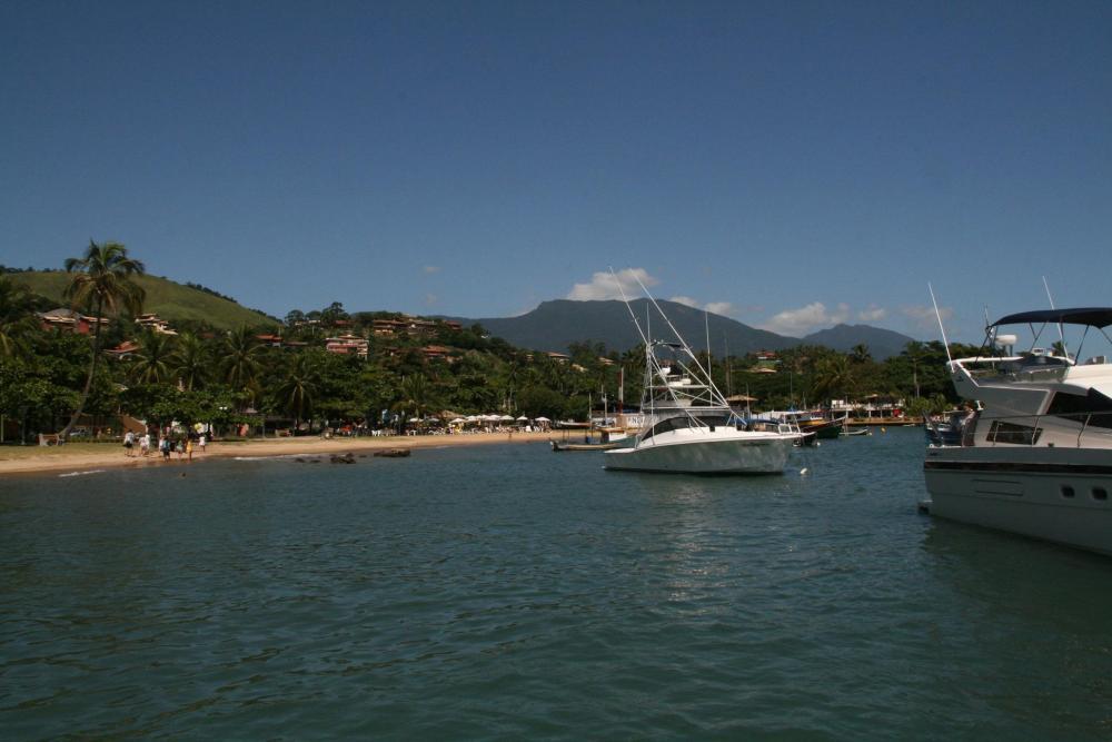 Ilhabela - it's Portuguese for beautiful island... (3/6)