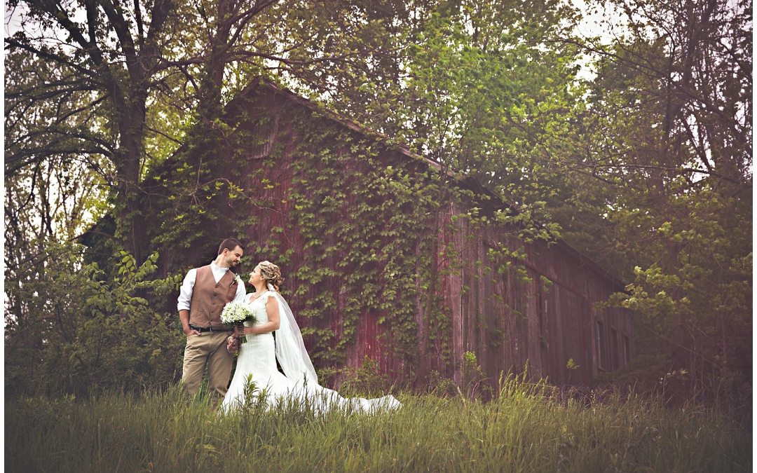 Melissa and Jason {Southwest Michigan Mill Creek Barn Wedding Photographer}