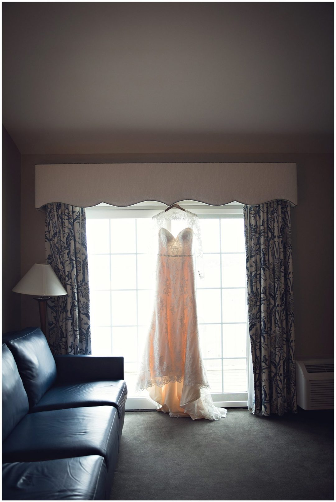 Rebecca & Jake :: {Bay Pointe Inn Gun Lake Wedding Photographer}