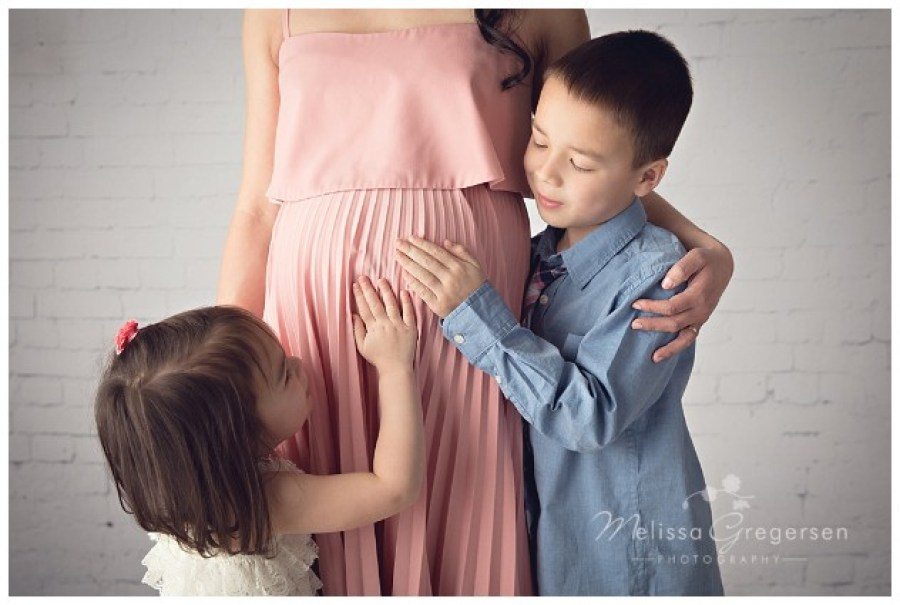 Siblings with mother for maternity session at Gregersen Photography Studio