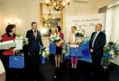 """Collecting distinction in """"Crystal Pen"""" journalist contest (2015)"""