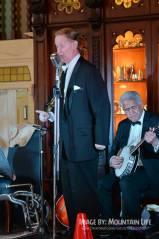 Greg Poppleton 1920s singer with Chuck Morgan banjo