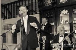 Greg poppleton 1920s singer with Geoff Power tp and Chuck Morgan banjo