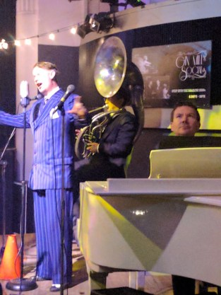 Greg Poppleton 1920s singer with Bradley Newman, piano, and Geoff Power sousaphone doubling cornet