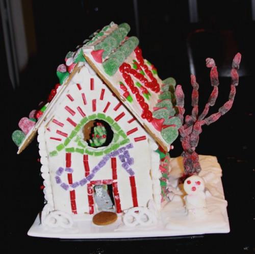 full-gingerbread-house-2009