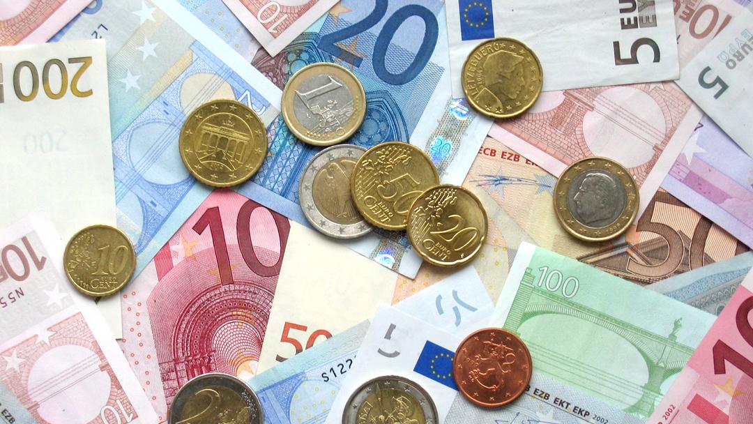 Dyr euro ger klipp i taxfreen