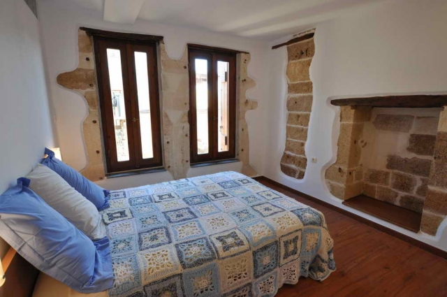 103551-zoom-house-old-town-chania