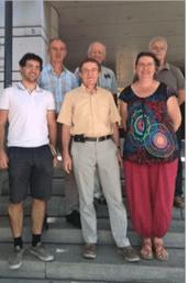 Les manipulateurs Vincent Comparat ( au milieu au fond) et sa fille Laurence Adjointe au Maire ont ressorte Béatrice Bonacchi devant à droite