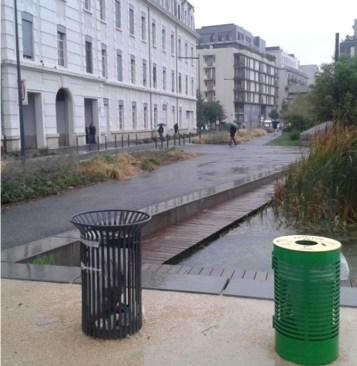 ... mais pour sauver la planète une poubelle verte a été ajoutée.