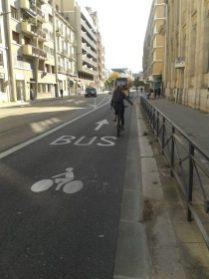 Agutte Sembat : voie bus + vélo dans le sens montant